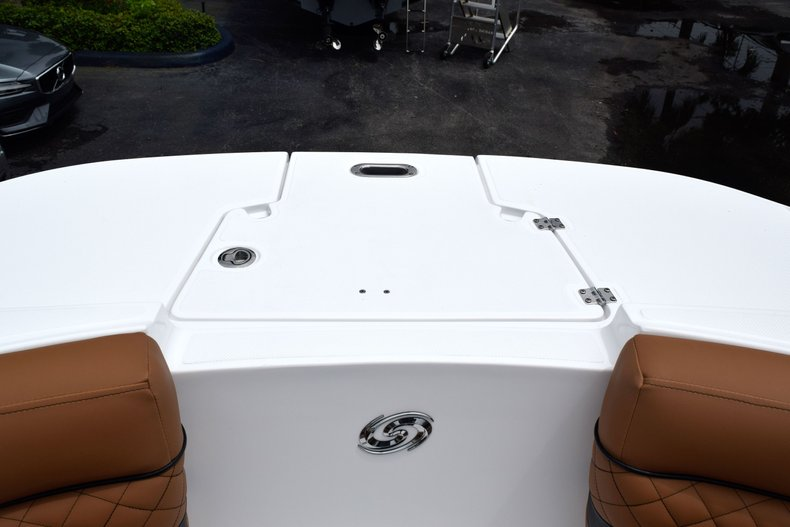 Thumbnail 75 for New 2019 Hurricane SunDeck SD 2690 OB boat for sale in West Palm Beach, FL