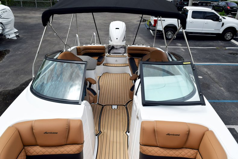 Thumbnail 85 for New 2019 Hurricane SunDeck SD 2690 OB boat for sale in West Palm Beach, FL