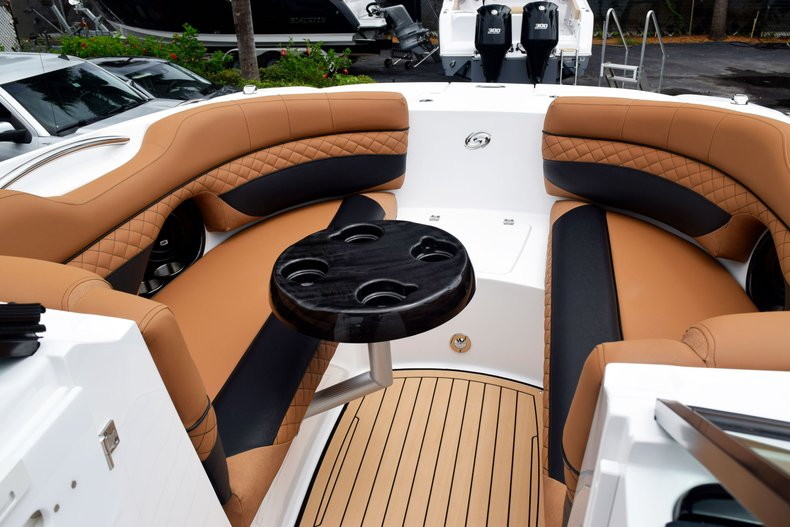 Thumbnail 89 for New 2019 Hurricane SunDeck SD 2690 OB boat for sale in West Palm Beach, FL