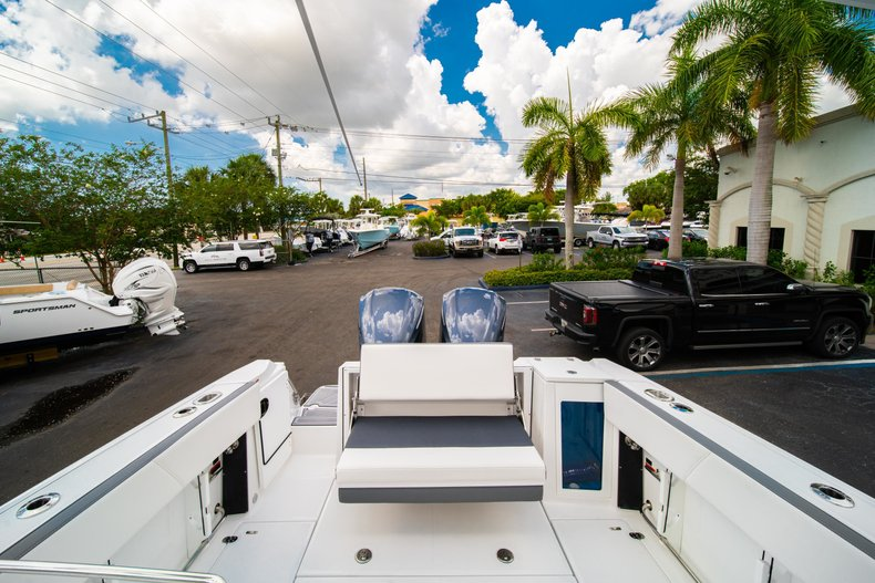 Thumbnail 10 for New 2019 Blackfin 272DC Dual Console boat for sale in West Palm Beach, FL