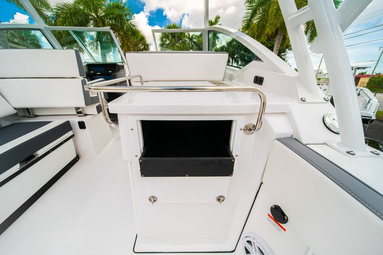 Thumbnail 21 for New 2019 Blackfin 272DC Dual Console boat for sale in West Palm Beach, FL
