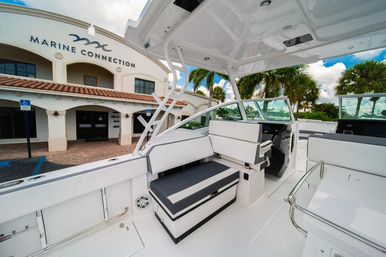 Thumbnail 23 for New 2019 Blackfin 272DC Dual Console boat for sale in West Palm Beach, FL