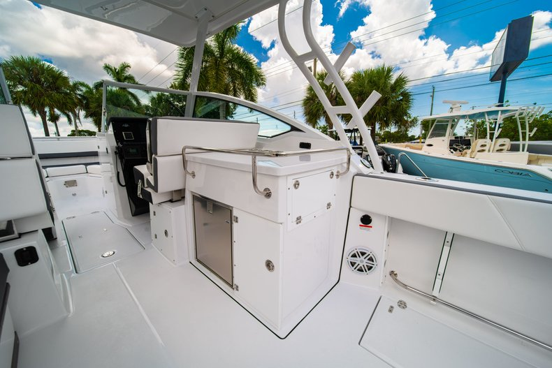 Thumbnail 25 for New 2019 Blackfin 272DC Dual Console boat for sale in West Palm Beach, FL