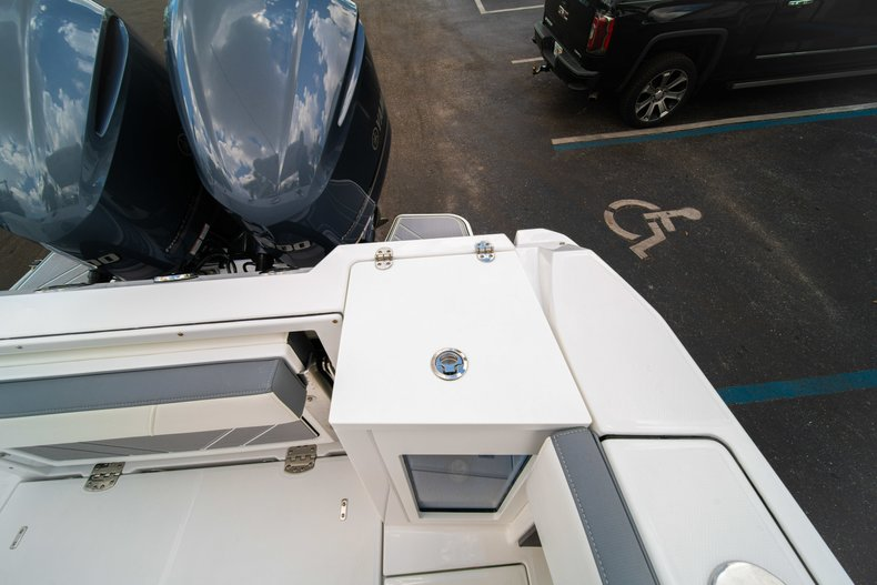 Thumbnail 18 for New 2019 Blackfin 272DC Dual Console boat for sale in West Palm Beach, FL