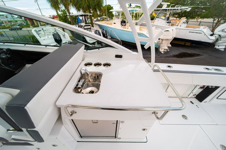 Thumbnail 28 for New 2019 Blackfin 272DC Dual Console boat for sale in West Palm Beach, FL