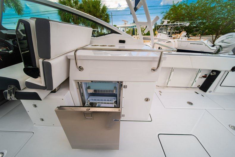 Thumbnail 27 for New 2019 Blackfin 272DC Dual Console boat for sale in West Palm Beach, FL