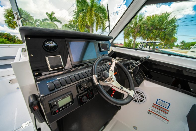 Thumbnail 33 for New 2019 Blackfin 272DC Dual Console boat for sale in West Palm Beach, FL