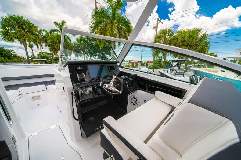 Thumbnail 32 for New 2019 Blackfin 272DC Dual Console boat for sale in West Palm Beach, FL