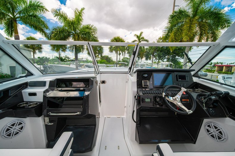 Thumbnail 43 for New 2019 Blackfin 272DC Dual Console boat for sale in West Palm Beach, FL