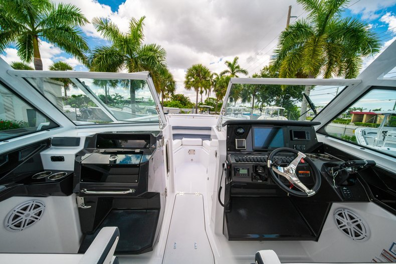 Thumbnail 44 for New 2019 Blackfin 272DC Dual Console boat for sale in West Palm Beach, FL