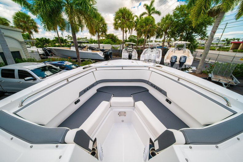 Thumbnail 45 for New 2019 Blackfin 272DC Dual Console boat for sale in West Palm Beach, FL