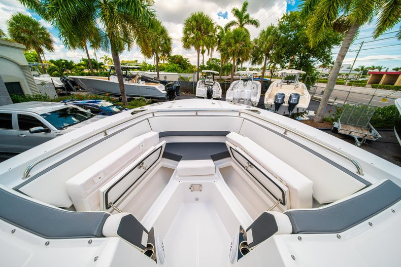 Thumbnail 46 for New 2019 Blackfin 272DC Dual Console boat for sale in West Palm Beach, FL