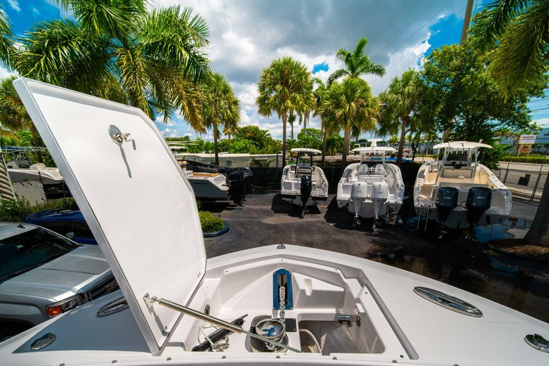 Thumbnail 48 for New 2019 Blackfin 272DC Dual Console boat for sale in West Palm Beach, FL