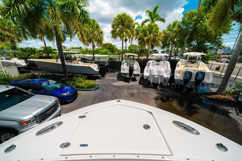 Thumbnail 47 for New 2019 Blackfin 272DC Dual Console boat for sale in West Palm Beach, FL