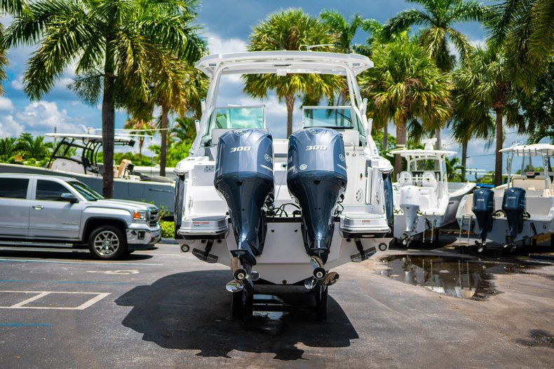 Thumbnail 6 for New 2019 Blackfin 272DC Dual Console boat for sale in West Palm Beach, FL