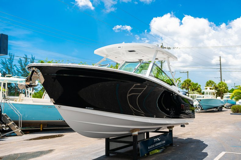 Thumbnail 3 for New 2019 Blackfin 272DC Dual Console boat for sale in West Palm Beach, FL