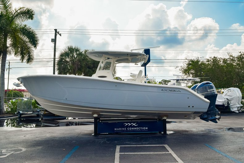 Thumbnail 4 for New 2019 Cobia 280 Center Console boat for sale in West Palm Beach, FL