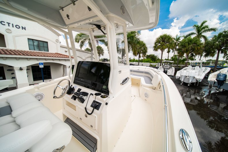 Thumbnail 19 for New 2019 Cobia 280 Center Console boat for sale in West Palm Beach, FL