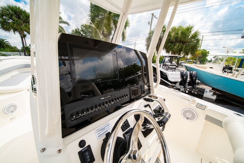 Thumbnail 22 for New 2019 Cobia 280 Center Console boat for sale in West Palm Beach, FL