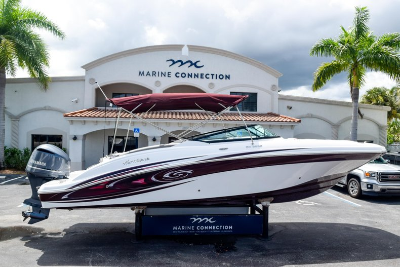 Thumbnail 0 for New 2019 Hurricane SunDeck SD 2690 OB boat for sale in West Palm Beach, FL