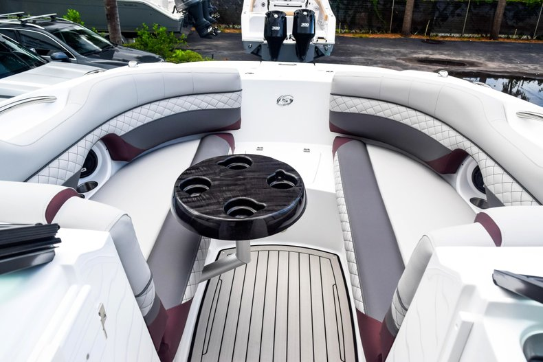 Thumbnail 90 for New 2019 Hurricane SunDeck SD 2690 OB boat for sale in West Palm Beach, FL