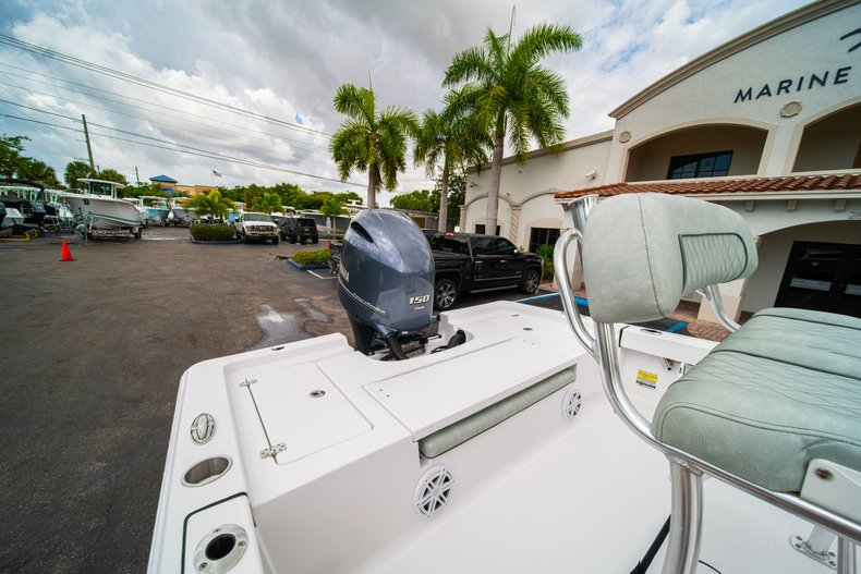 Thumbnail 9 for New 2020 Sportsman Masters 207 Bay Boat boat for sale in West Palm Beach, FL