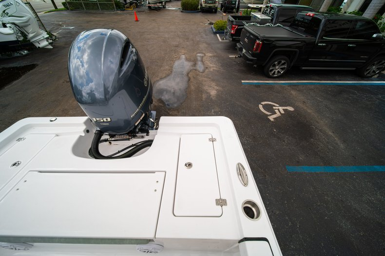 Thumbnail 13 for New 2020 Sportsman Masters 207 Bay Boat boat for sale in West Palm Beach, FL