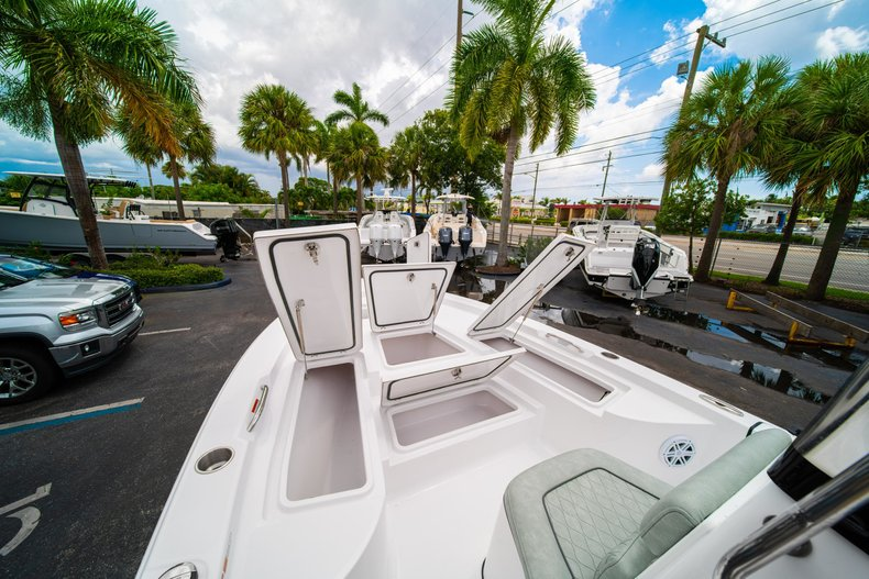 Thumbnail 31 for New 2020 Sportsman Masters 207 Bay Boat boat for sale in West Palm Beach, FL
