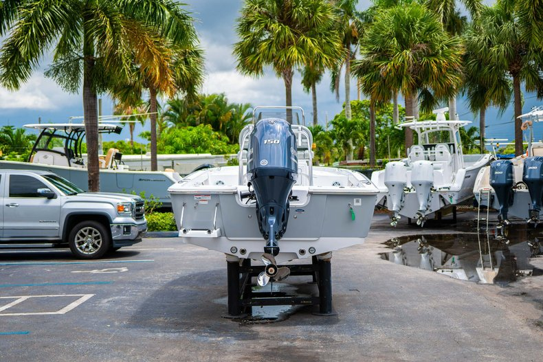 Thumbnail 6 for New 2020 Sportsman Masters 207 Bay Boat boat for sale in West Palm Beach, FL