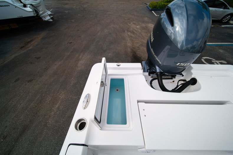 Thumbnail 13 for New 2020 Sportsman Masters 207 Bay Boat boat for sale in Vero Beach, FL