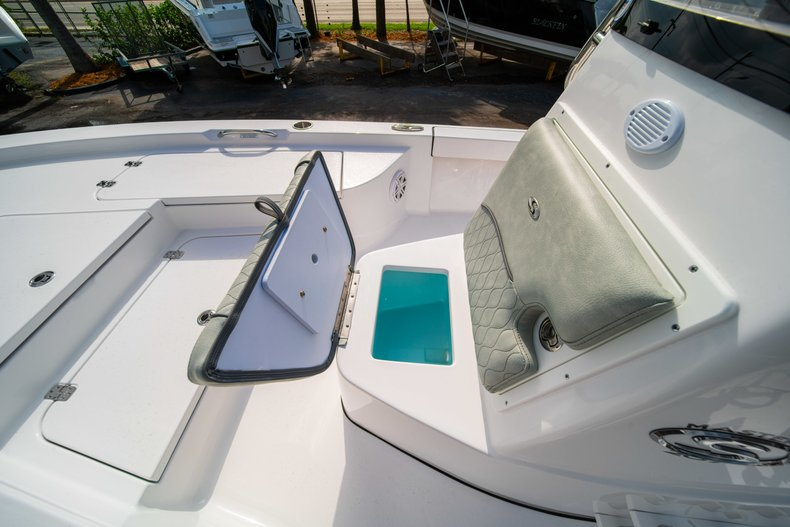 Thumbnail 34 for New 2020 Sportsman Masters 207 Bay Boat boat for sale in Vero Beach, FL
