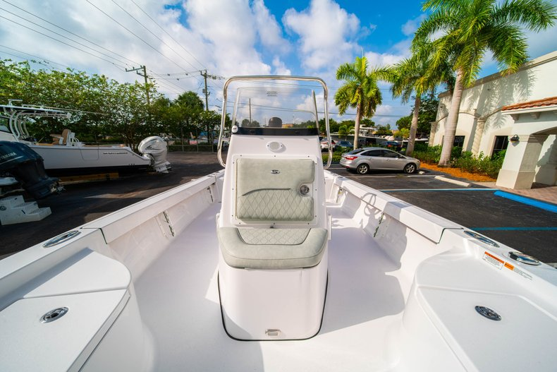 Thumbnail 33 for New 2020 Sportsman Masters 207 Bay Boat boat for sale in Vero Beach, FL