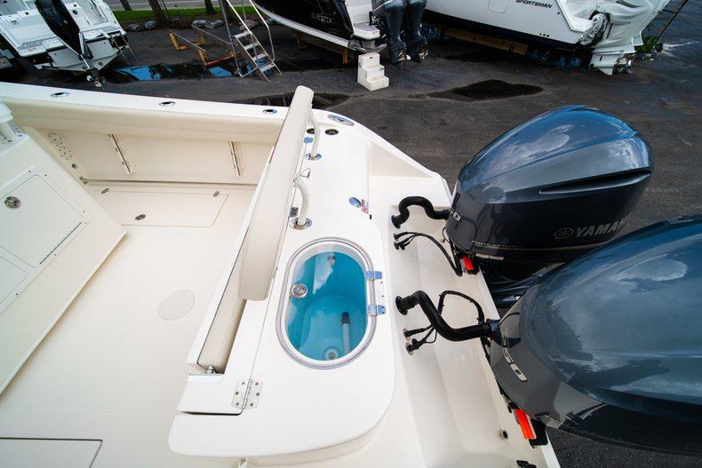Thumbnail 10 for New 2019 Cobia 280 Center Console boat for sale in Miami, FL