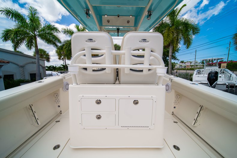 Thumbnail 20 for New 2019 Cobia 280 Center Console boat for sale in Miami, FL