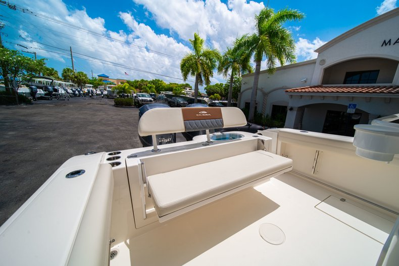 Thumbnail 14 for New 2019 Cobia 280 Center Console boat for sale in Miami, FL
