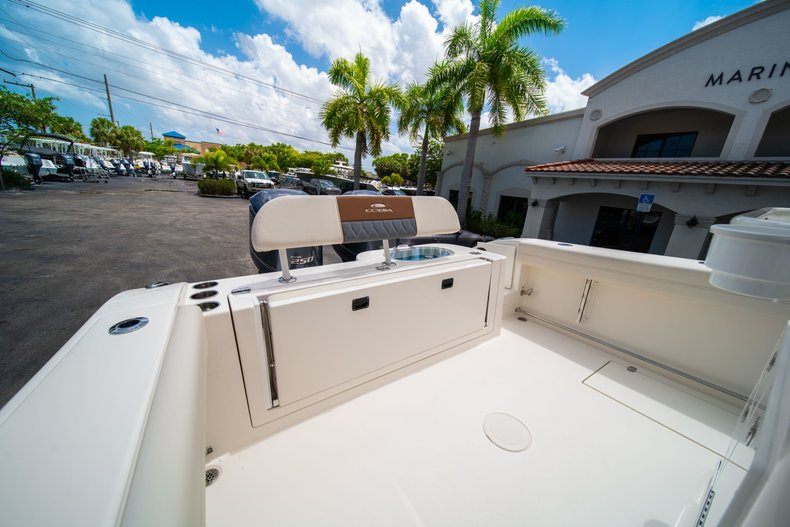 Thumbnail 13 for New 2019 Cobia 280 Center Console boat for sale in Miami, FL