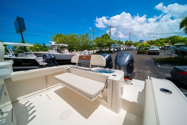 Thumbnail 12 for New 2019 Cobia 280 Center Console boat for sale in Miami, FL