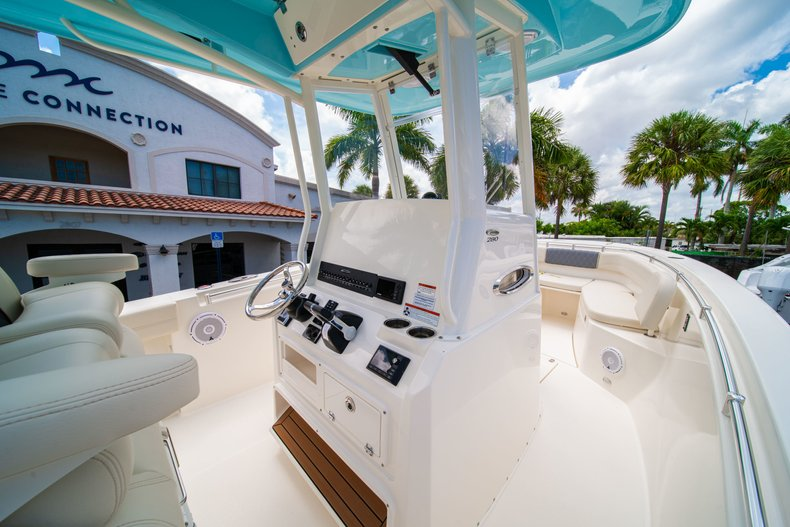 Thumbnail 26 for New 2019 Cobia 280 Center Console boat for sale in Miami, FL