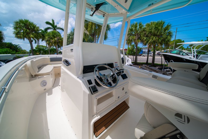 Thumbnail 29 for New 2019 Cobia 280 Center Console boat for sale in Miami, FL