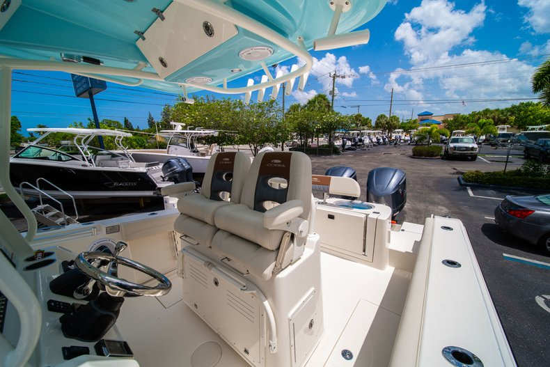 Thumbnail 32 for New 2019 Cobia 280 Center Console boat for sale in Miami, FL