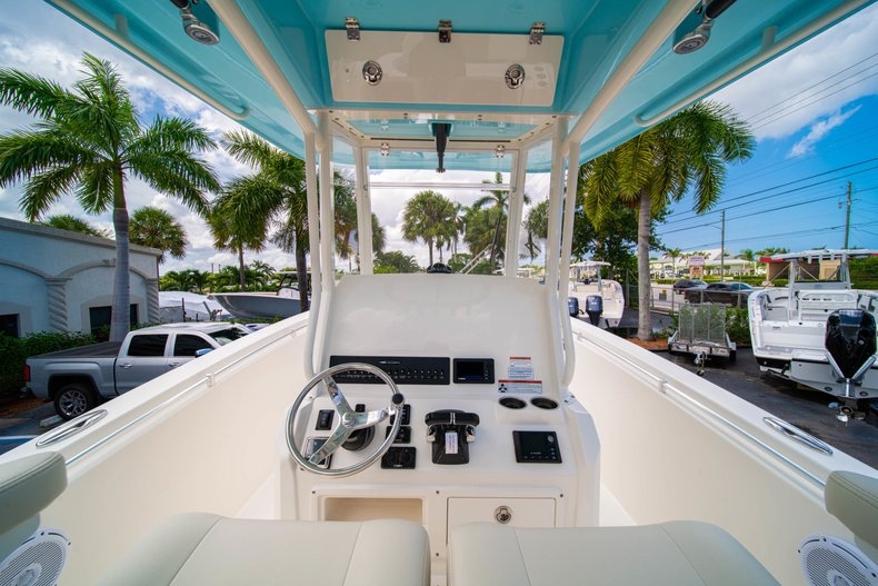 Thumbnail 27 for New 2019 Cobia 280 Center Console boat for sale in Miami, FL