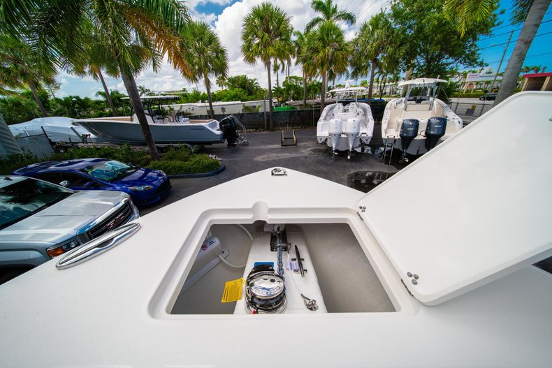 Thumbnail 41 for New 2019 Cobia 280 Center Console boat for sale in Miami, FL