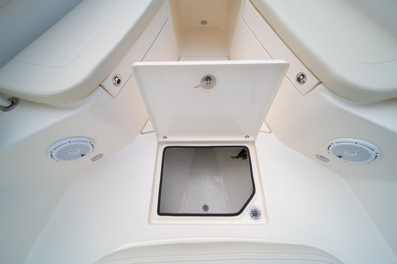 Thumbnail 39 for New 2019 Cobia 280 Center Console boat for sale in Miami, FL