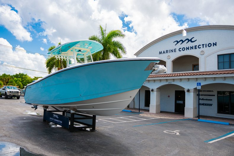 Thumbnail 1 for New 2019 Cobia 280 Center Console boat for sale in Miami, FL