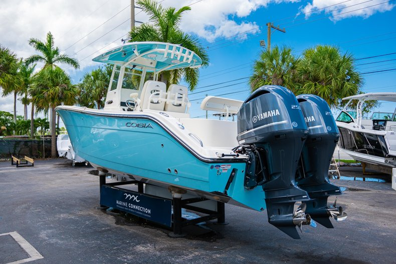 Thumbnail 5 for New 2019 Cobia 280 Center Console boat for sale in Miami, FL