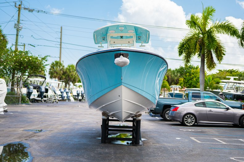 Thumbnail 2 for New 2019 Cobia 280 Center Console boat for sale in Miami, FL