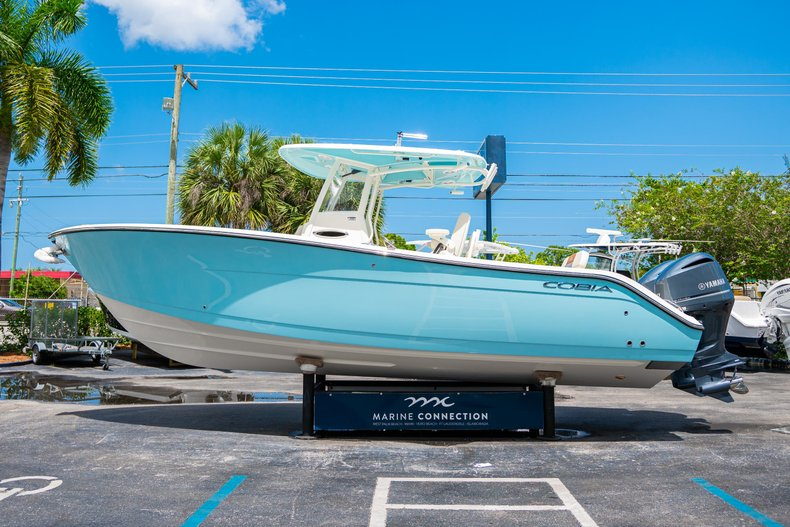 Thumbnail 4 for New 2019 Cobia 280 Center Console boat for sale in Miami, FL