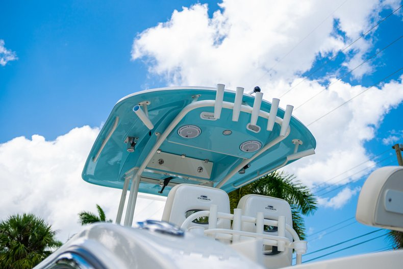 Thumbnail 8 for New 2019 Cobia 280 Center Console boat for sale in Miami, FL