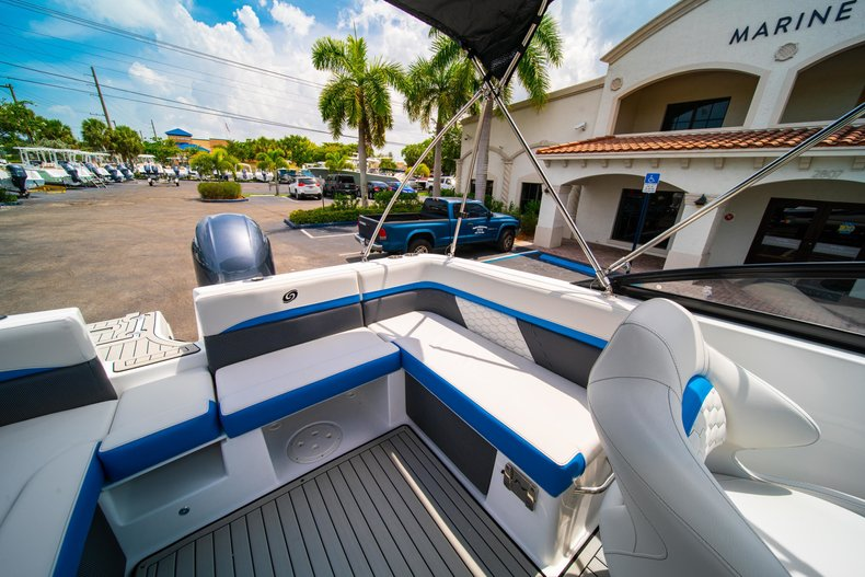 Thumbnail 10 for New 2020 Hurricane 217 SunDeck OB boat for sale in West Palm Beach, FL