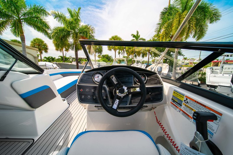 Thumbnail 16 for New 2020 Hurricane 217 SunDeck OB boat for sale in West Palm Beach, FL